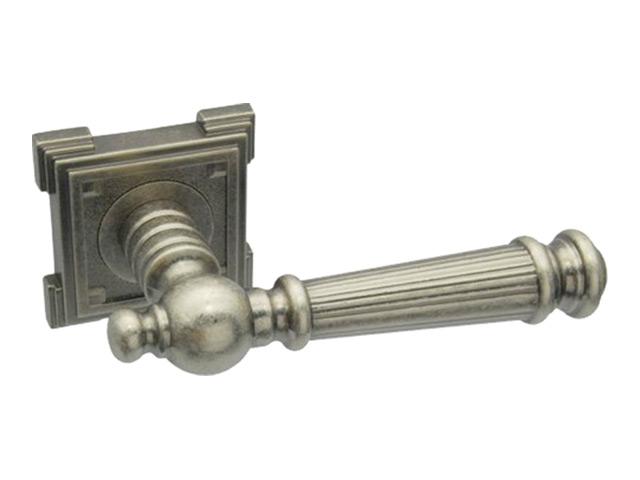 ручка дверная ADDEN BAU Castello VQ212, серебро состареное защёлка врезная сантехническая adden bau wc 5070 chrome